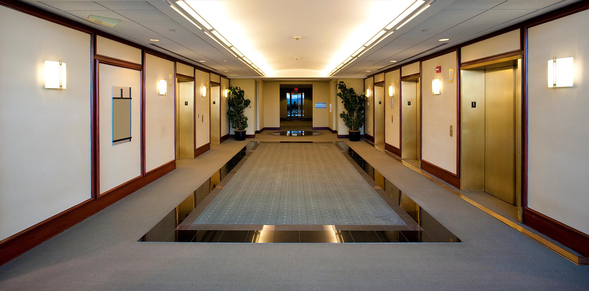 Commercial-carpet-cleaning-elevator-lobby-in-hotel2